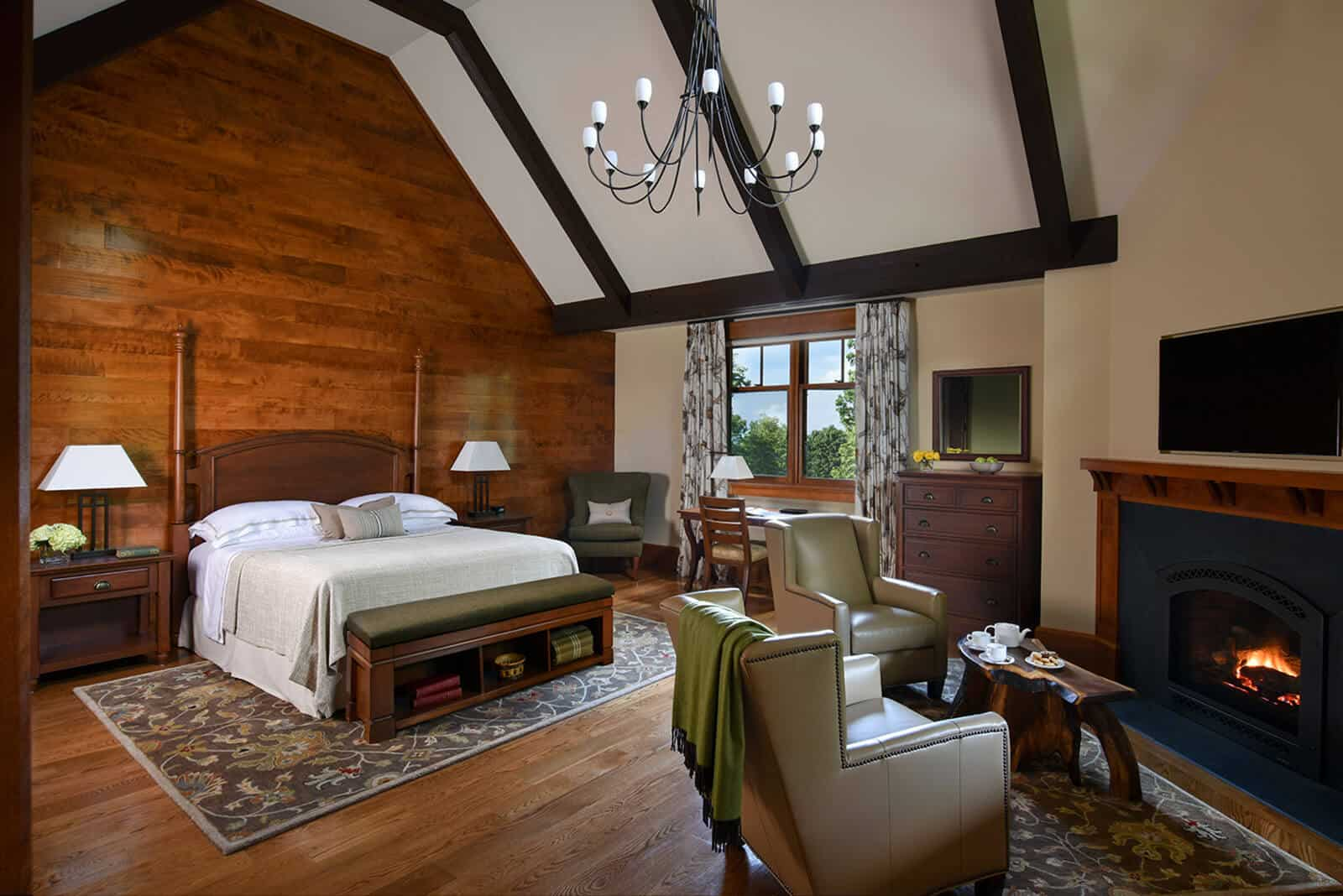 Guest Room with One King Bed at Mohonk
